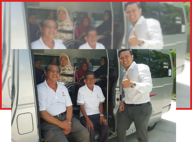 ADL bringing the patients from Muhammadiyah Health and Day Care Centre for Hari Raya shopping at Giant Tampines